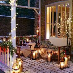 20 Rustic Christmas Home Decor Ideas Winter Porch. Christmas Porch, Christmas Is Coming, Country Christmas, Outdoor Christmas, Christmas Lights, Christmas Decorations, Xmas, Christmas Garden, Winter Christmas