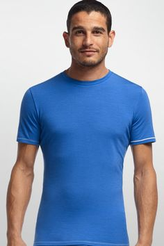 The Men's Anatomica Short Sleeve crewe is essential travel clothing for people who like to be active. It's lightweight 150g merino jersey is amazingly soft against the skin, and provides breathable comfort in a huge range of temperatures. Wear it alone as a breathable top for hiking or playing, and add a sweater or light jacket and stay warm even when the temperature starts to drop.