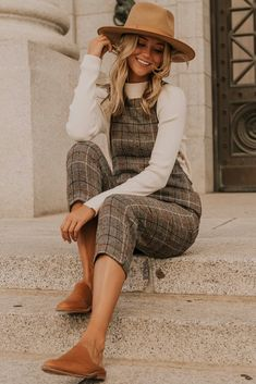 church outfit fall This jumpsuit is one of a kind! The beautiful wool material is highlighted with subtle blue and orange pinstripes throughout. The functional front and back pockets Fall Outfits For Work, Cute Fall Outfits, Mom Outfits, Fall Winter Outfits, Casual Outfits, Plaid Outfits, Casual Winter, Fashion Outfits, Winter Boots
