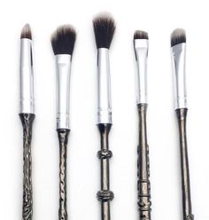 That's right, YOU HEARD ME. You can now preorder makeup brushes modeled after Harry, Ron, Hermione, Dumbledore, and Lord Voldemort's infamous wands. | OMG, Harry Potter Makeup Brushes Are Here