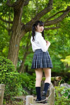 School Girl Japan, School Girl Dress, Japan Girl, Pretty Asian Girl, Cute Asian Girls, Beautiful Asian Girls, School Uniform Fashion, School Uniform Girls, Little Girl Bikini
