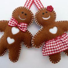 Mr and Mrs gingerbread felt decorations Berry wreath Christmas decor Halloween wreath---LOVE it! Gingerbread Ornaments, Gingerbread Decorations, Felt Christmas Decorations, Felt Christmas Ornaments, Christmas Gingerbread, Handmade Ornaments, Christmas Fun, Gingerbread Men, Glitter Ornaments