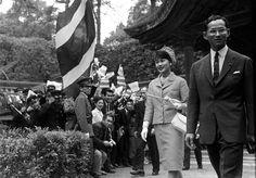 """BlogGang.com : : sirivinit : เปิดเรื่องลึกที่คนไม่ค่อยรู้เกี่ยวกับ""""ในหลวง"""" ผ่านหนังสือ King Bhumibol Adulyadej: A Life's Work"""