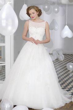 Schlichtes Brautkleid im Empire Stil