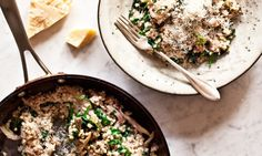 buckwheat with mushrooms in white wine Vegan Recipes, Cooking Recipes, Kitchenette, Buckwheat, Kid Friendly Meals, Main Meals, Risotto, Tofu, Nom Nom