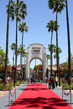Universal Studios Hollywood entrance #RedCarpet
