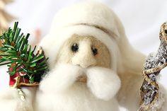 Santa Claus Figurine, Santa Claus Ornament, Felted Santa Claus, Santa Decoration, Wool Santa, Santa Needle Felt, Santa Gift, Christmas Gift by RoseValleyVilaga on Etsy