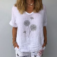 Printed Linen, Printed Blouse, T-shirt Broderie, Blouses For Women, T Shirts For Women, Linen Tshirts, Basic Tops, Cotton Blouses, Casual T Shirts