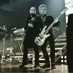 """""""Mi piace"""": 4, commenti: 1 - TJRARMY (@tommyjoeratliff_tjrfan) su Instagram: """"#tommyjoeratliff#tommyjoescissorhands#Guitarist#Songwriter#musican#montepittman#artist#playingguitar"""""""