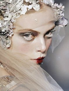 """lamorbidezza: """"Tanya Dziahileva at John Galliano Fall 2009 """" Makeup Inspo, Makeup Art, Makeup Inspiration, Beauty Makeup, Hair Makeup, Hair Beauty, Tanya Dziahileva, Runway Makeup, Pat Mcgrath"""