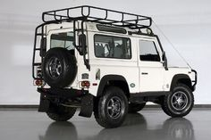 Defender 90.  #awesomeness