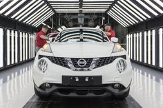 Nissan has announced it will produce the second generation Juke in the UK, and that it will invest for the Sunderland plant. Nissan Juke, New Nissan, Sunderland, Libra, Crossover Cars, Compact Suv, Geneva Motor Show, Automotive News, Unique Cars