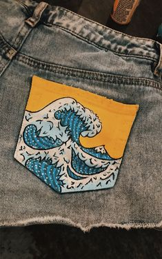 Source by Lizenore painting Source by Lizenore painting Cowboy Hosen Damen Hosen - , M Mid Fjell Shorts Painted Shorts, Painted Jeans, Painted Clothes, Diy Clothes Paint, Diy Jeans, Jeans Denim, Hollister Jeans, Cropped Jeans, Diy Clothing