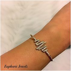 Gold Linear Pave Swarovski Crystal Adjustable Toggle Clasp Stacking Bracelet-Item #: GC-SC-GTB-109 TO BUY: Click the link in our bio to shop directly. Direct purchase link: spreesy.com/EuphoricJewelz/7 Price: $108.00. A delicately distinctive piece, for an edgy stacked/layered look. DETAILS & CARE ▫️Adjustable (fits most wrist widths). ▫️Toggle clasp closure. ▫️Pave Swarovski crystal. ▫️14k gold filled. ▫️Handcrafted exclusively by Euphoric Jewelz. ▫️Designed and made in the USA of...