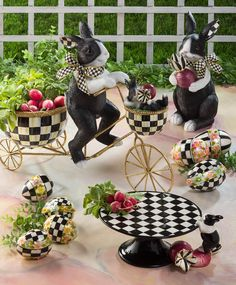 Rabbits and radishes go together—just ask Peter Rabbit. Our Radish Rabbits feature the colorations of a Dutch rabbit with touches of Courtly Check®️ and Courtly Stripe. It's the perfect way to say hello to spring. Mackenzie Childs Furniture, Dutch Rabbit, Mackenzie Childs Inspired, Mckenzie And Childs, Pintura Country, Peter Rabbit, Easter Wreaths, Hand Painted Ceramics, Easter Crafts