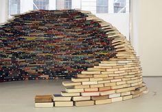 http://www.elplacerdelalectura.com/work-view/10-cosas-que-hacer-con-todos-esos-libros-que-tienes-por-ahi-7-y-8