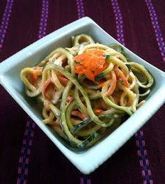 Raw Zucchini Pasta with Peanut Sauce - raw recipes are perfect for summer #vegan #earthbalance