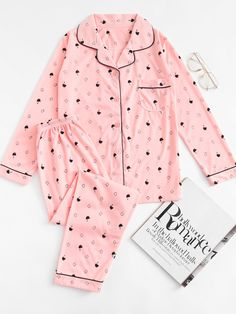 SheIn offers Cartoon Print Contrast Piping Long Pajama Set & more to fit your fashionable needs. Cute Pajama Sets, Cute Pjs, Cute Pajamas, Kpop Fashion Outfits, Edgy Outfits, Cute Fashion, Cute Sleepwear, Satin Sleepwear, Nightwear