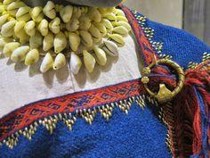 Viking age / Kukruse memm /  Cowry shells! Tablet weaving! Bronze! Blue!Estonia