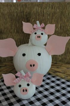 You're Going to Love My Piggy Pumpkins (Themed Pumpkins are a Blast) - Crafts a la mode Pumpkin Art, Cute Pumpkin, Pumpkin Crafts, Fall Crafts, Holiday Crafts, Pumpkin Ideas, Pumpkin Carving, Pumpkin Painting, Halloween Pumpkins