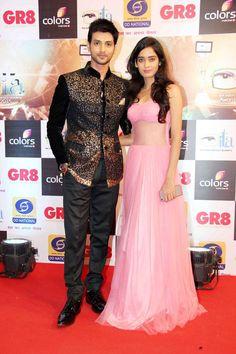 Shakti Arora and his wife, Neha Saxena at ITA Awards 2015. #Bollywood #ITAawards #Fashion #Style #Beauty #Hot
