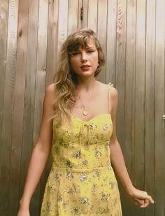 Taylor Swift Fan, Taylor Swift Songs, Swift 3, Taylor Swift Pictures, Taylor Alison Swift, Selena, Taylor Swift Wallpaper, Red Taylor, Live Taylor