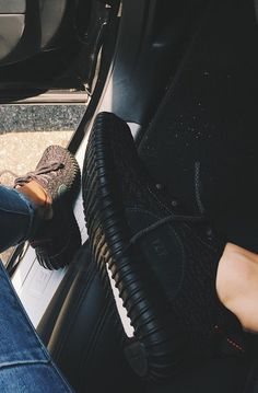 Kendall Jenner showing off her Black Adidas Yeezy Boost 350 on Instagram