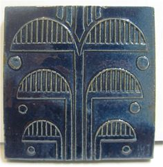 S & S (Solon & Schemmel), San Jose, CA Deep cobalt blue has a glossy finish on this vintage tile with Art Deco motif. Their tiles were very well made and are treasured by collectors and novices alike. Antique Tiles, Antique Pottery, Vintage Tile, Art Deco Tiles, Tile Art, Mosaic Tiles, Magic Realism, Harlem Renaissance, Cubism