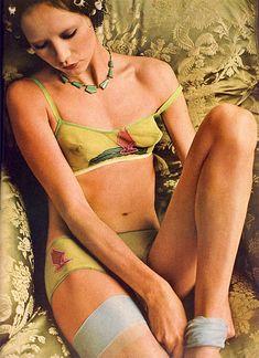 Year:1971 Model(s):Cathee Dahmen Photographer:Peter Knapp Designer(s): * __________ Additional Information from Flickr: Vogue, June 1971 ...