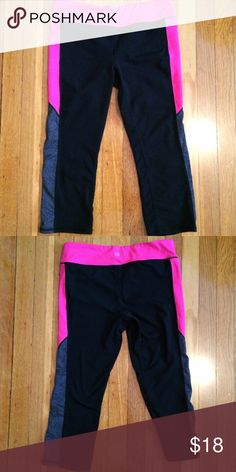 NWOT GapFit Legging Capris NWOT black, heather gray, and hot pink legging capris. Perfect for the gym, running errands, or just lounging around the house! GAP Pants Leggings