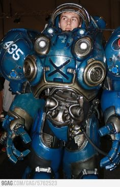 """""""Gears of War cosplay"""" lol person before me thought this was gears of war"""