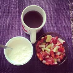 Serek wiejski z warzywami i czystek w kubeczku odpowiedzią na kaca :) #dieta z #vitalia #breakfast