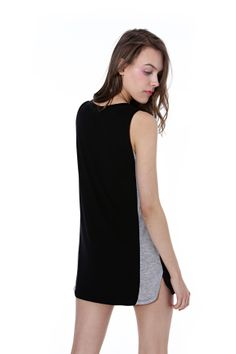 Black & grey summer tunic. Summer Tunics, Sports Luxe, Black And Grey, Spring Summer, Clothes For Women, Model, Collection, Dresses, Fashion