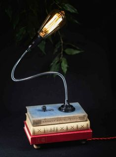 Vintage Style handmade retro design up-cycled  Lamp Retro Lampe, Book Lamp, Vintage Style, Vintage Fashion, Retro Design, Table Lamp, Ebay, Lighting, Handmade