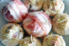 Ciuperci umplute, la cuptor Romanian Food, Easy Peasy, Bacon, Potato Salad, Shrimp, Cabbage, Stuffed Mushrooms, Deserts, Food And Drink