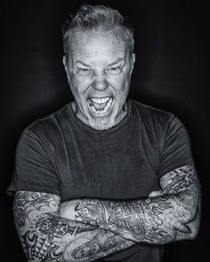 For everything Metallica check out Iomoio Metallica Tattoo, Metallica Art, Learn Guitar Chords, Bass Guitar Lessons, James Hetfield, Punk Rock Song, Its A Mans World, Beastie Boys, Thrash Metal