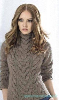 Стильный свитер с косами, связанный спицами (описание)