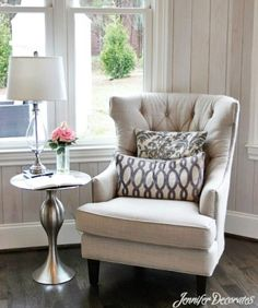 6 Amazing Bedroom Chairs For Small Spaces | Small space bedroom ...