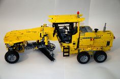 grader LEGO Technic MOC Grader. Total construction time – about 4 months. Total length without rigs – about 80 cm. Weight – 5 kg. Total parts quantity – 5200. There are 12 independent RC functions. Five mechanical: - All-Wheel Drive (3 x XL); - Two-stage | by denvut