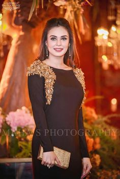 Dress to the occasion, Look elegantly stylish at the next event / / you are attending or customise the design for Mizz Noor a palace for high quality with intricate Inbox for more details Pakistani Bridal Dresses, Pakistani Dress Design, Pakistani Outfits, Pakistani Kurta, Dressy Dresses, Simple Dresses, Ikkat Dresses, Beautiful Dresses For Women, Indian Bridal Fashion