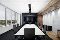 Дизайн конференц-зала офиса компании Broccolini Construction в Монреале