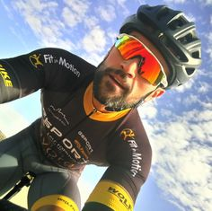 Lycra Men, Lycra Spandex, Bmx, Sexy Men, Sexy Guys, Hot Men, Cycling Sunglasses, Le Polo, Cycling Jerseys