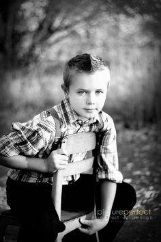 3 year old boy photo shoot Preteen Photography, Toddler Boy Photography, Little Boy Photography, Boy Photography Poses, Children Photography, Family Photography, Toddler Poses, Toddler Portraits, Newborn Bebe