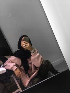 Modern Hijab Fashion, Street Hijab Fashion, Muslim Fashion, Casual Hijab Outfit, Hijab Chic, Ootd Hijab, Hijabi Girl, Girl Hijab, Muslim Girls