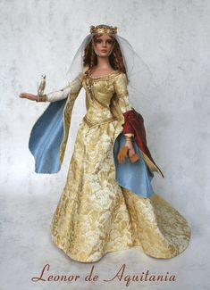 Barbie as Eleanor of Aquitaine, Queen of France, Queen of England - (No, I am not a descendent of Barbie, but it would be fun to have the doll. Historical Costume, Historical Clothing, Moda Indiana, Eleanor Of Aquitaine, Moda Boho, Bride Dolls, Medieval Clothing, Barbie Collection, Vintage Barbie