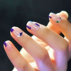 Haz que tus manos se conviertan en un lujoso accesorio de tu outfit, y conoce las formas de uñas que debes usar para marcar tendencia. Lleva tus uñas