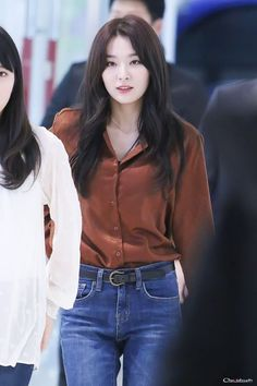 """kang seulgi's best outfits appreciation a thread ✨"" Kpop Fashion, Korean Fashion, Fashion Outfits, Airport Fashion, Park Sooyoung, Red Velvet Seulgi, Velvet Fashion, Airport Style, Celebs"