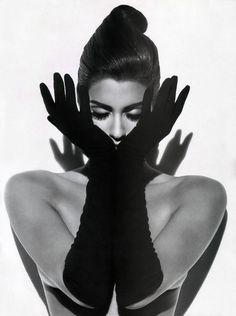 Yasmeen Ghauri. Vogue, September 1991.