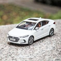 The way home is full of happiness - 따뜻한 집으로 향하는 길🏠 - #homesweethome #happiness #thewayhome #goforadrive #travel #drive #park #car #carsofinstagram #diecast #AVANTE #Elantra #Hyundai