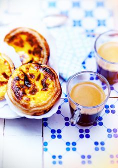 Pastéis de Nata & Roma | This successful combination of pastry and espresso is simply irresistible. These sweet treats go extremely well with Nespresso Grand Crus.